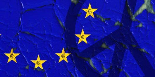 Kuvituskuvassa pala EU:n tähtilippua ja rauhanmerkki.