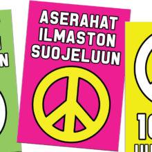 """Mielenosoituskyltin grafiikassa on rauhanmerkki ja lukee """"Aserahat ilmaston suojeluun"""""""